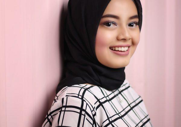 Tak Hanya Praktis, Yuk Simak 5 Fakta Menarik Hijab Instan