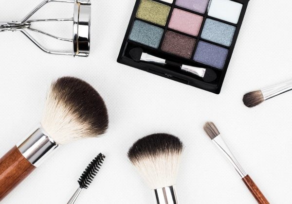 3 Meja Rias Favorit Para Make Up Artist